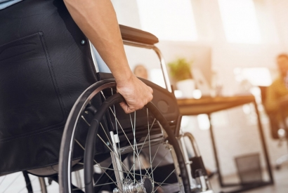 How to Safely and Properly Use a Wheelchair
