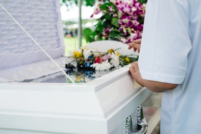 4 Incentives of Pre-planning Your Funeral Now